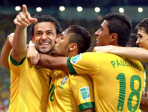 A seleção volta a jogar bem e a conquistar a torcida. FOTO: Reuters