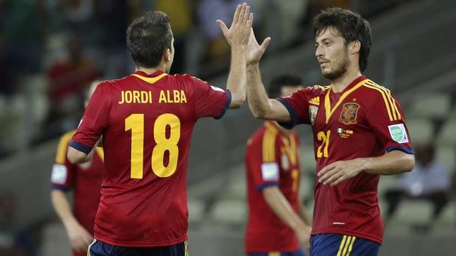 A eficiente e campeoníssima Espanha é posta em cheque após fracasso. FOTO: Reuters