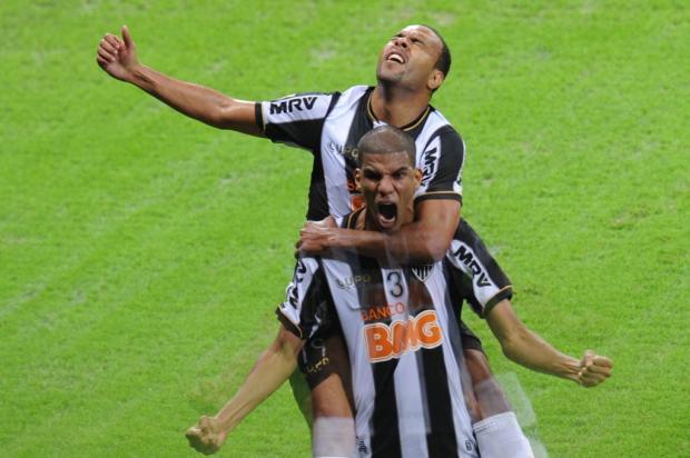 Leonardo Silva faz o gol histórico. FOTO: Esponte Interativo