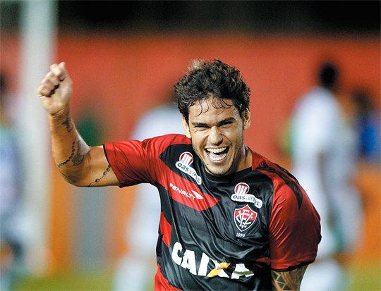 Vitória vence Coritiba no finzinho. FOTO: Esporte Interativo