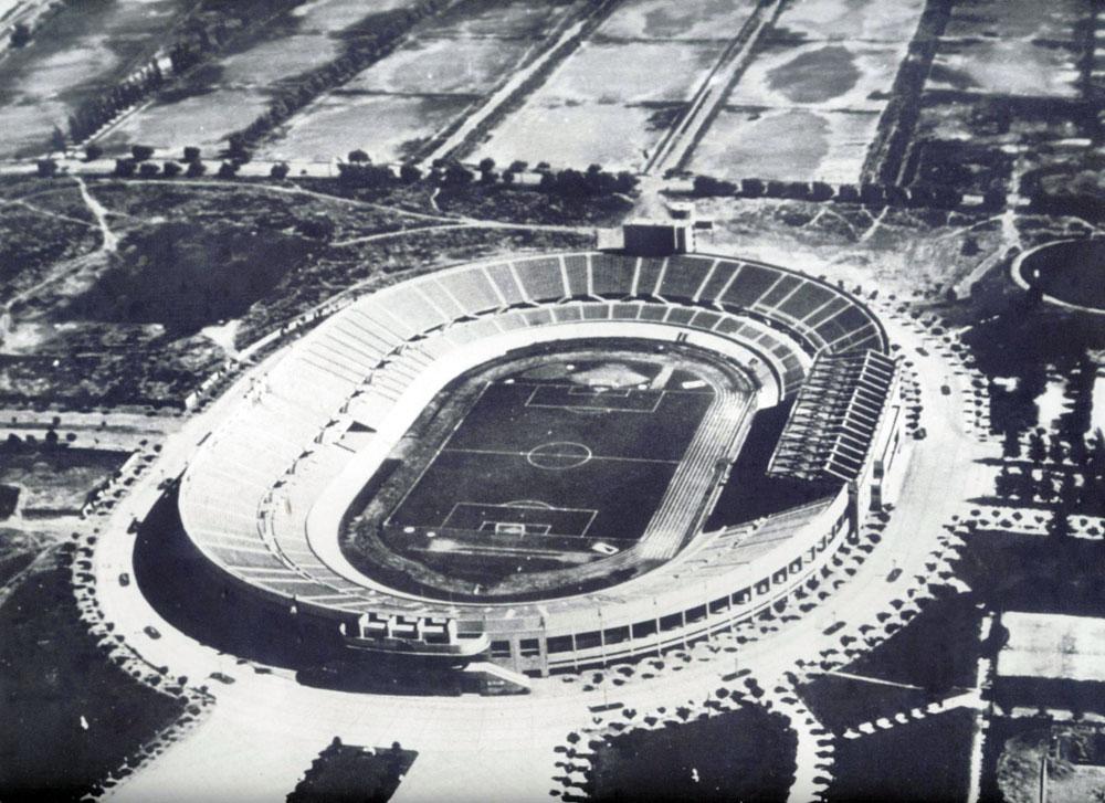 Estádio Nacional de Santiago, um dos símbolos da reconstrução do Chile. FOTO: arquivo nacional