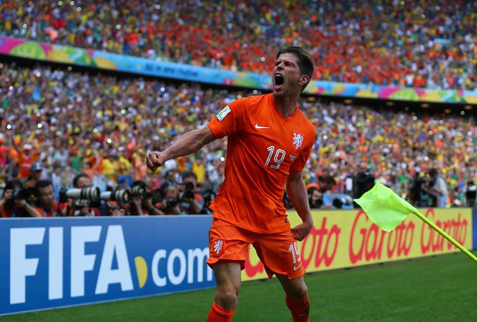 Do banco para a glória, Huntelaar decide confronto contra o México. FOTO: FIFA