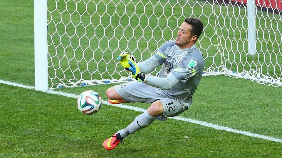 Goleiro brasileiro salva a seleção na disputa de pênaltis. FOTO: FIFA