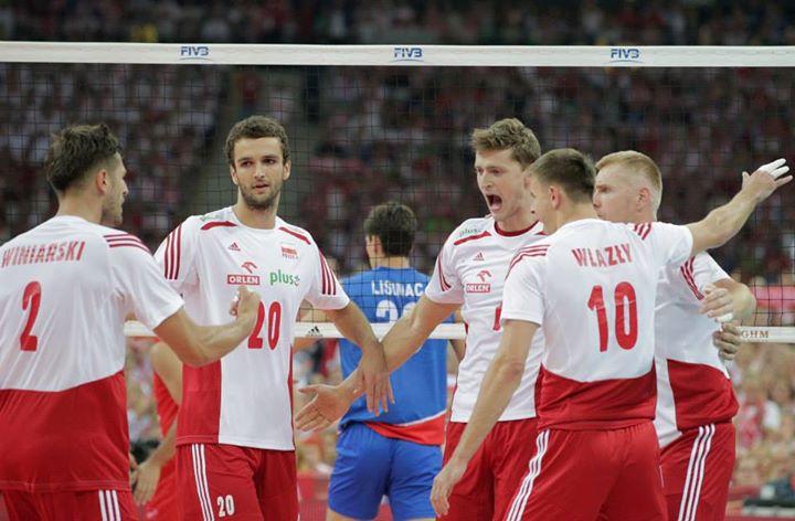 Polônia entra com apoio da torcida. FOTO: FIVB