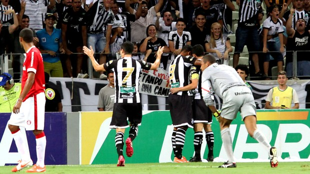 Ceará faz a festa junto da sua torcida e despacha o Inter. FOTO: LC Moreira/Futura Press