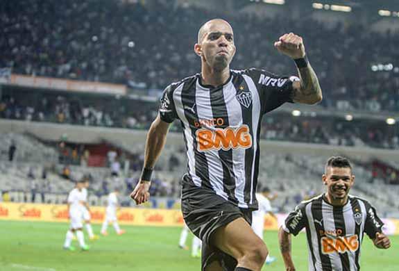 Tardelli comemora o gol do título. FOTO: AFP