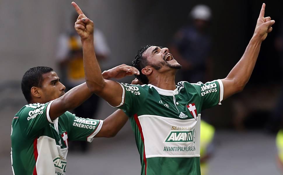 Palmeiras se salva da queda, mas graças ao seu rival Santos. FOTO: Folha