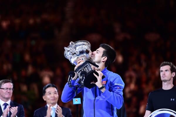 Sem Nadal e Federer, Djoko deu show em Melbourne. FOTO: Australia Open
