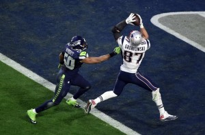 Gronk recebe pelo passe de Brady