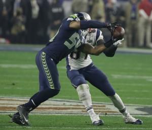 Bobby Wagner intercepta Brady