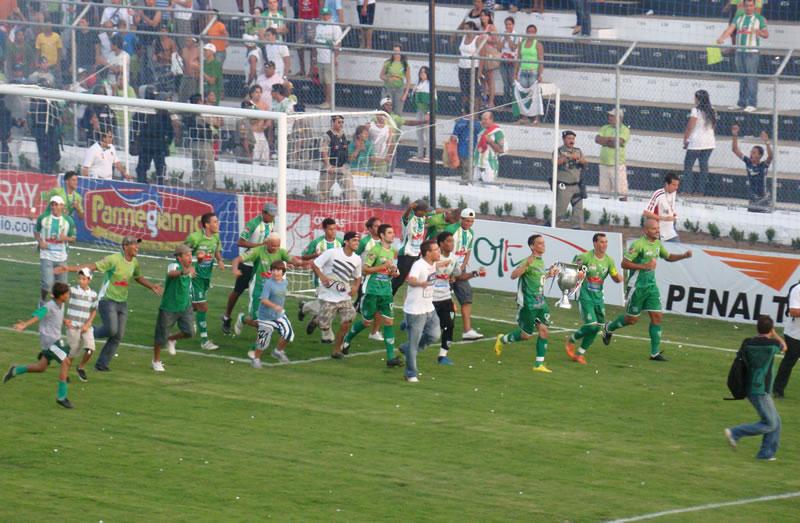Festa do time campeão alagoano que seria vítima de uma tragédia natural. FOTO: Claudemir Araújo