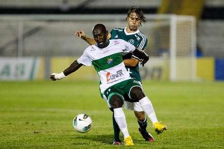 Time alagoano enfrentou o Palmeiras pela Copa do Brasil de 2012. FOTO: Fernando Dantas/Gazeta Press