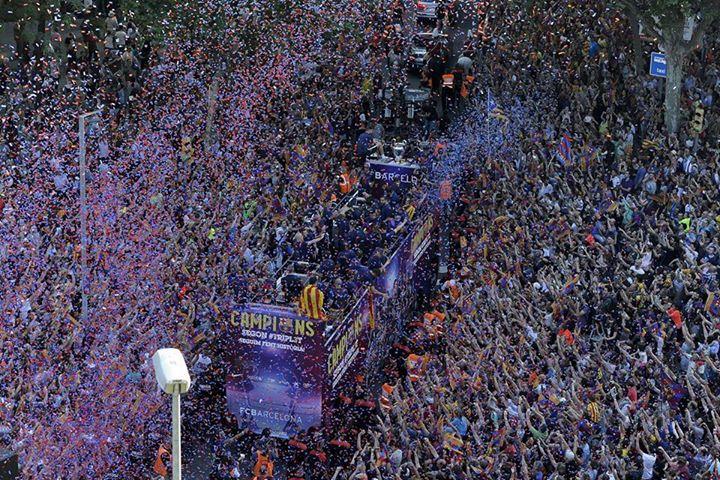 Festa da torcida na recepção aos campeões. FOTO: UEFA