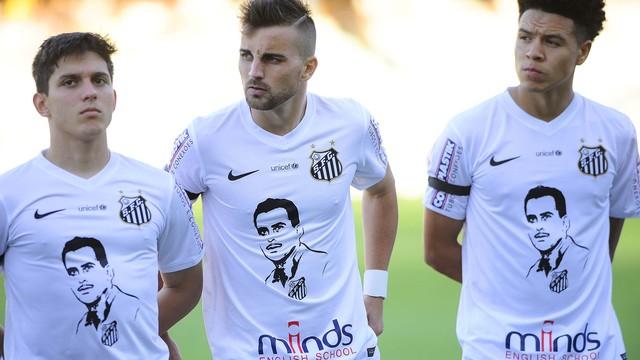Santos presta homenagem ao falecido ídolo Zito. FOTO: Agência Estado