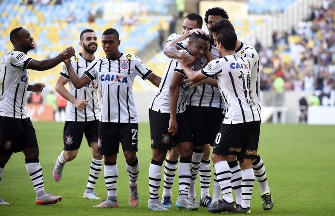 Corinthians atropela Flamengo sem Sheik e Guerrero. FOTO: André Durão