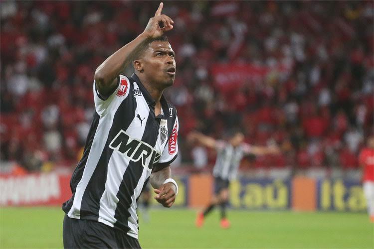 Com dois gols, o meia foi destaque na vitória sobre o Inter. FOTO: Gazeta Press