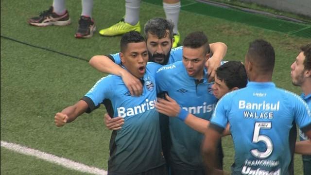 O Grêmio não teve piedade, jogou o Santos para o Z4 e ficou líder por algumas horas. FOTO: globoesporte.com