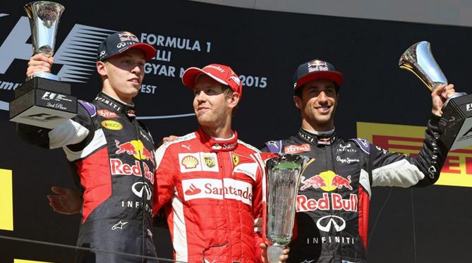 Sebastian Vettel vence o GP da Hungria, com Daniil Kvyat em segundo e Daniel Ricciardo, ambos da Red Bull, em terceiro. FOTO: formula1.com.