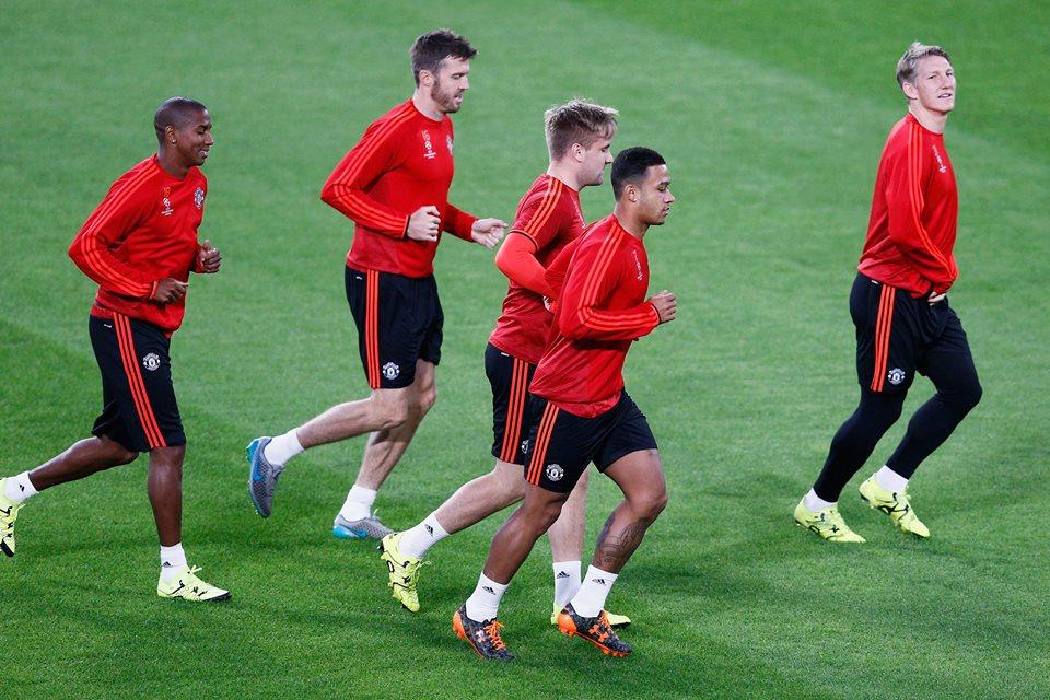United volta a CHampions, com Depay e Shweinsteiger. FOTO: UEFA