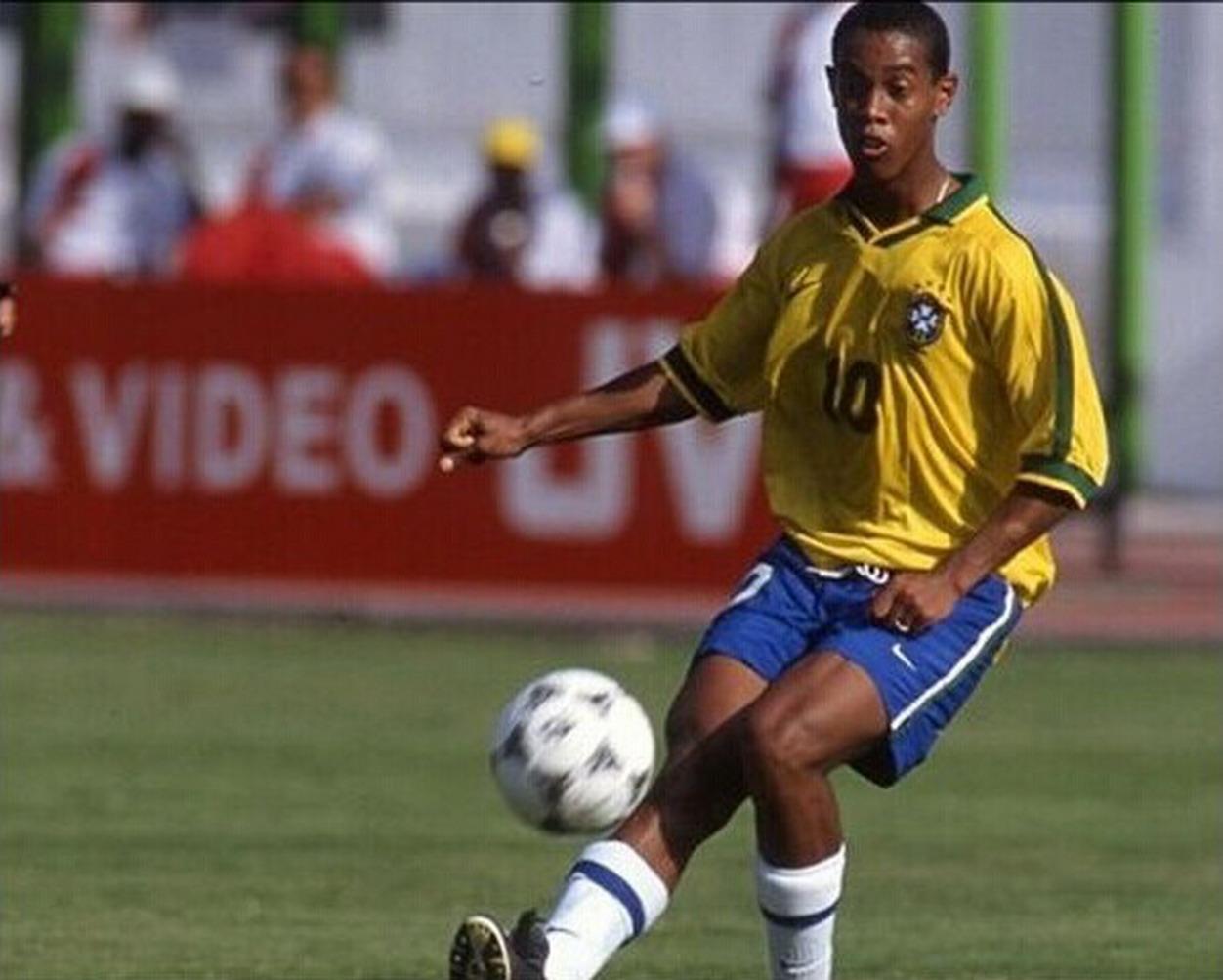 R10 no Mundial sub-17 do Egito, em 97. FOTO: FIFA
