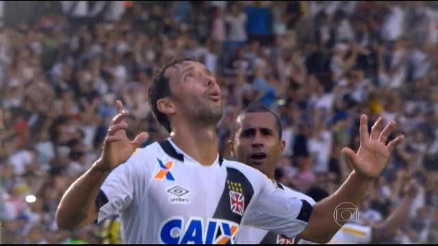 Nenê converteu o pênalti que manteve o Vasco vivo no Brasileirão. FOTO: globoesporte.com