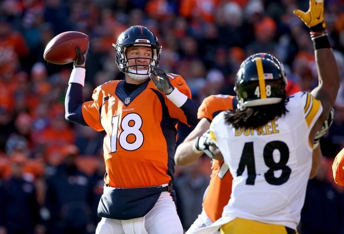 Mesmo com atuação apagada, Manning teve ajuda da defesa para levar Broncos a final. FOTO: Getty Images