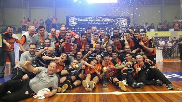 Time campeão mundial em 2012. FOTO: globoesporte.com.br