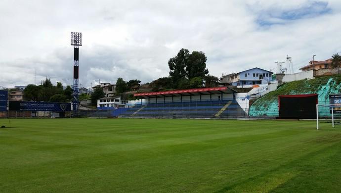 O Rumiñahui prova que não se precisa de um bom estádio para se jogar a Libertadores. FOTO: Guto Rabelo