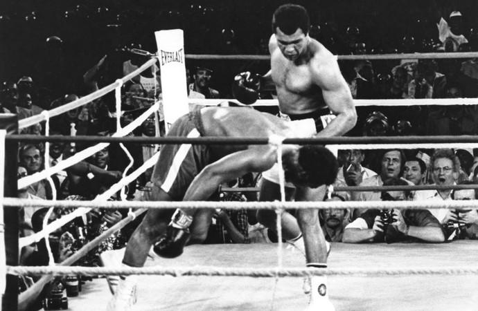 Ali derruba Foreman no Zaire. FOTO: Wikipedia Commons