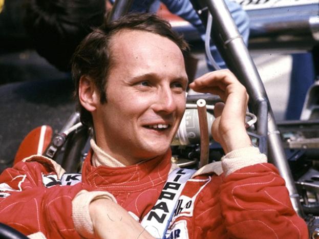Niki Lauda em 1976, antes do acidente que quase lhe matou. FOTO: pinterest.com
