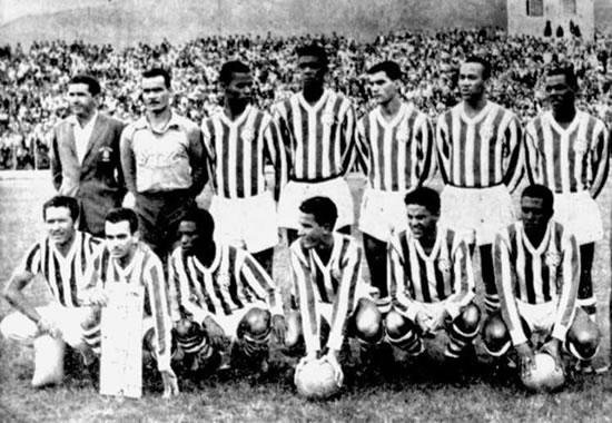 A equipe do Bangu que enfrentou a Colômbia. FOTO: acervo Bangu