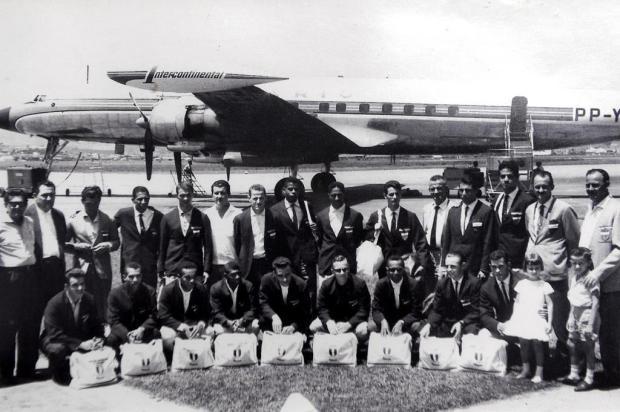 O time do Flamengo de Caxias que excursionou pela Argentina em 1962. FOTO: Acervo Caxias