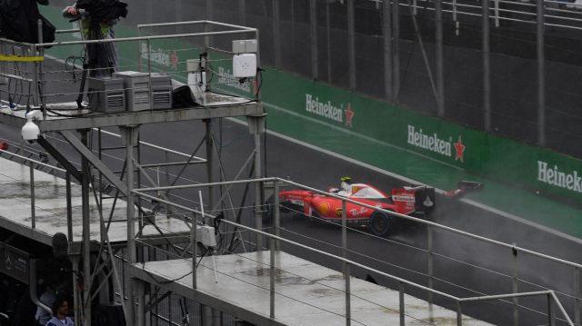 Batida de Kimi Raikkonen foi muito perigosa, mas não teve consequências sérias. FOTO: formula1.com