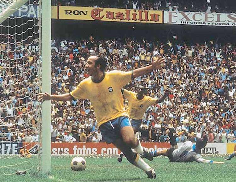 Famosa foto de Tostão na final da Copa de 70. FOTO: Placar