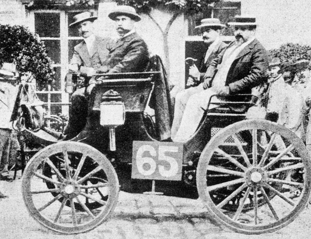 George Lemaitre e seu Peugeot