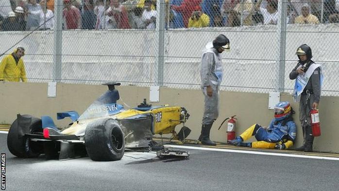 Acidente de Alonso foi assustador, mas o piloto não sofreu nada grave em função do mesmo.