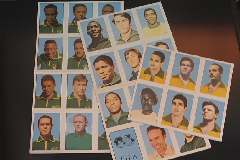 Os atletas de três títulos mundiais do Brasil em figurinhas.