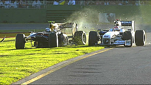 Acidente entre Vettel e Kubica proporcionou a histórica dobradinha da Brawn GP.