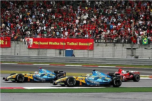 Schumacher só esperou o momento adequado para assumir a liderança na corrida.