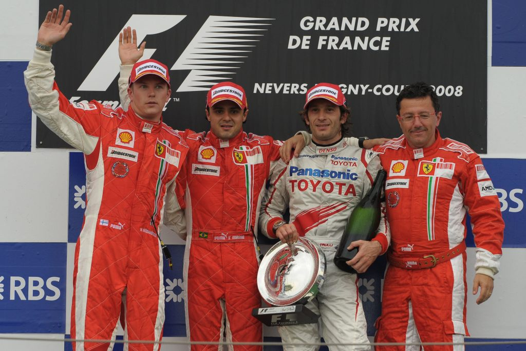 Pódio ao final do GP da França de 2008. Vitória de Massa, com Raikkonen em segundo e Trulli em terceiro.