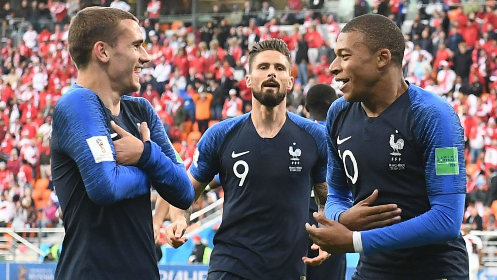 Griezmann, Giroud e Mbappé. O ataque francês na Copa.