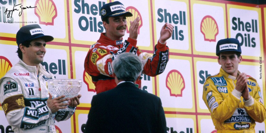 Pódio ao final da corrida. Da esquerda pra direita: Piquet (2º), Mansell (1º) e Senna (3º).