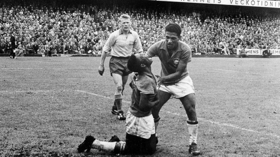 Pelé e Garrincha na final da Copa de 1958.
