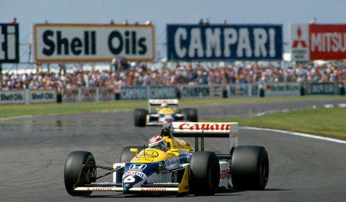 Nelson Piquet liderou boa parte da corrida, mas Mansell o superou no final.