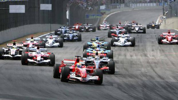 Largada do GP do Brasil de 2006.
